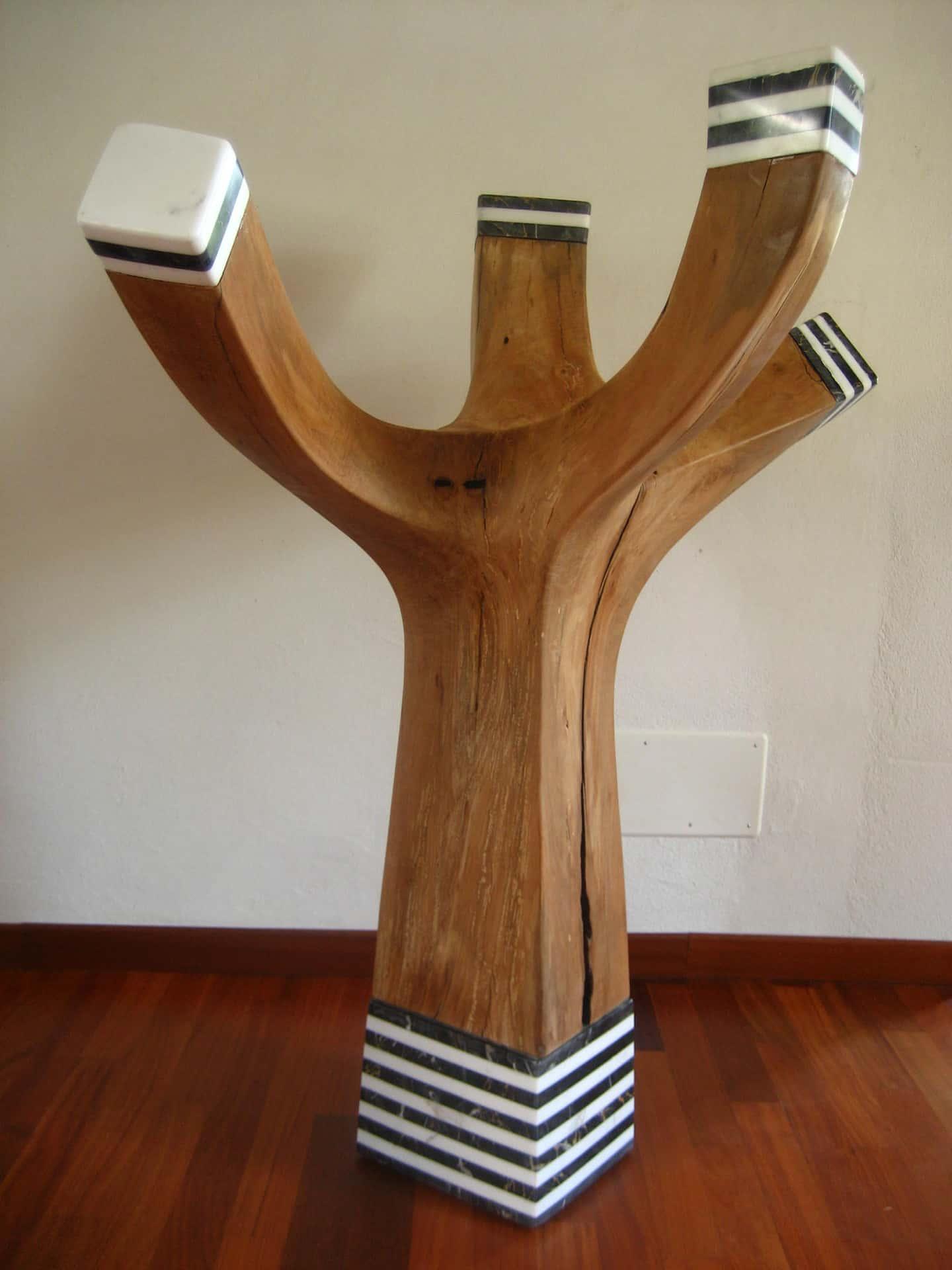 Scultura appendiabiti legno e marmo alessandra politi - Portabiti in legno ...